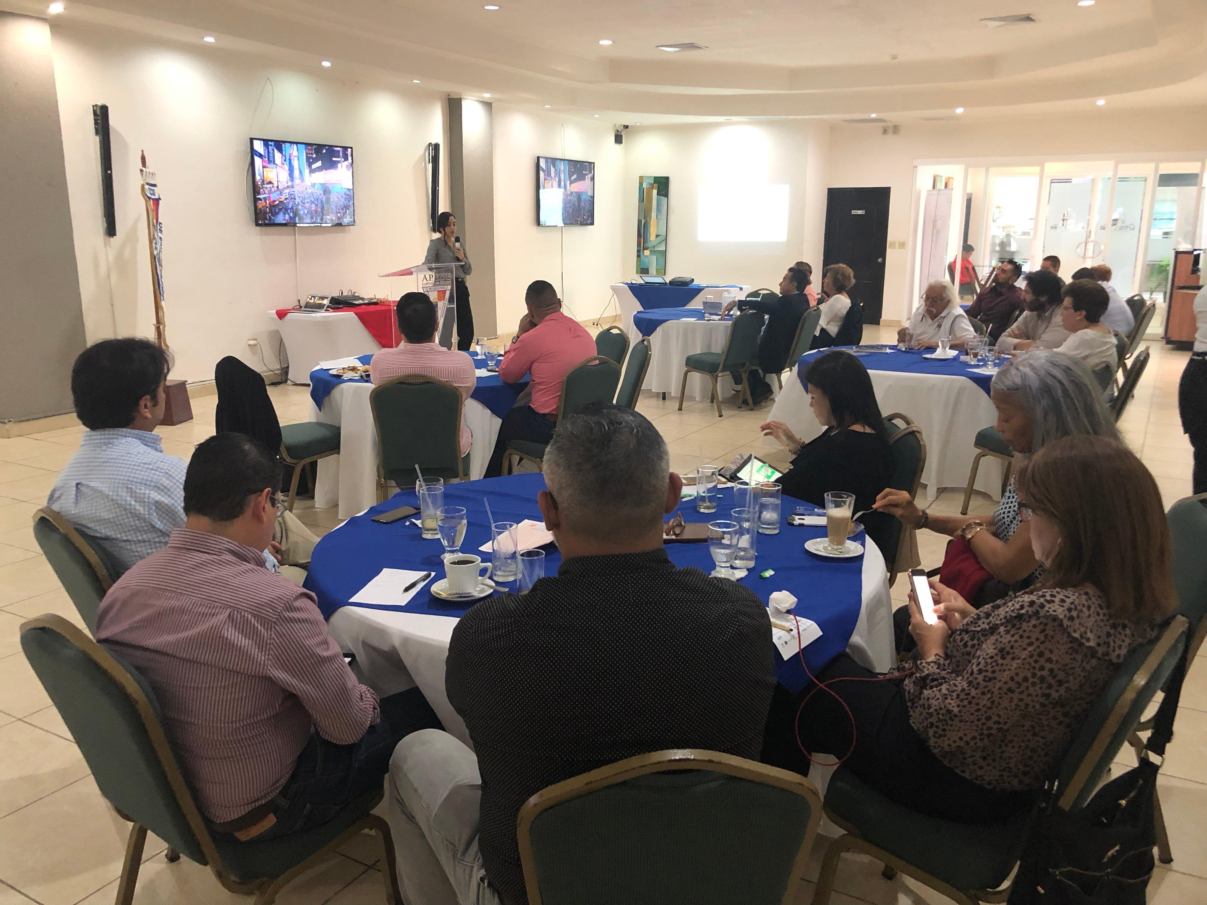 Charla Negocios Digitales: Retos y Oportunidades en Chiriquí
